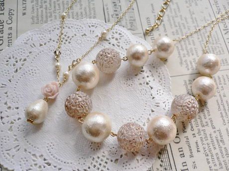 Necklace368369