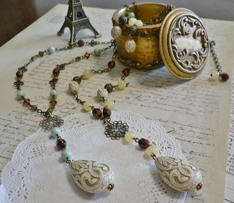 Necklace371372