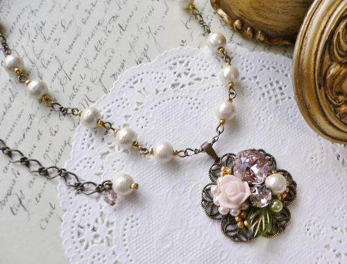 Necklace3751
